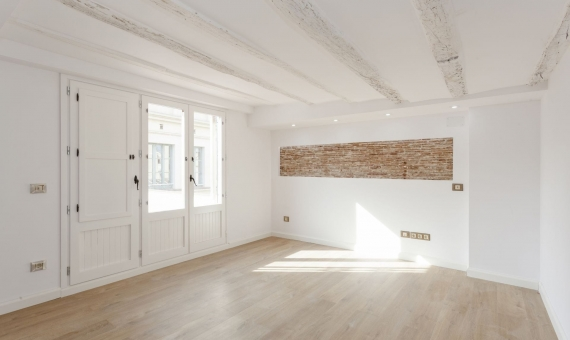Refurnished penthouse with 35 m2 terrace on sale in Borne | 1