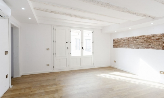 Refurnished penthouse with 35 m2 terrace on sale in Borne | 2