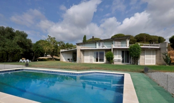 House with sea views and parcel of 2 Ha just 30 km away from Barcelona | 2