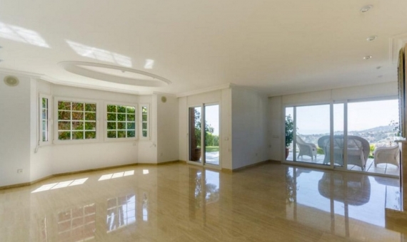 Family house 762 m2 of 5 bedrooms with seaview in Cabrils | 1