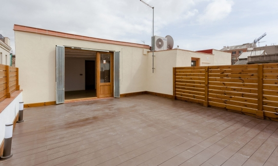 Refurnished penthouse with 35 m2 terrace on sale in Borne | 3
