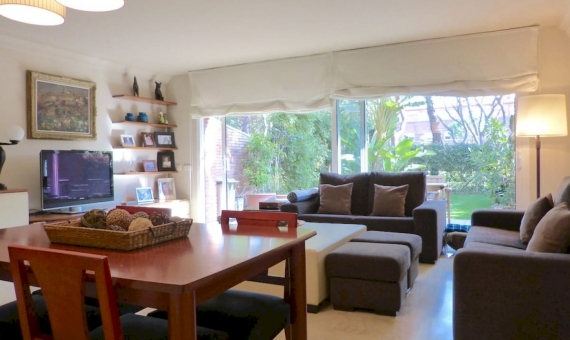 Sunny townhouse to rent in the private compound with pool | 3