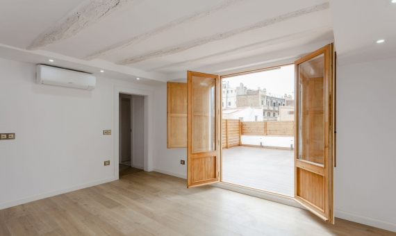 Refurnished penthouse with 35 m2 terrace on sale in Borne | 4