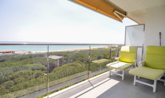 Sunny penthouse duplex refurbished and with sea views in Gava Mar | 16-piso-bermar-park-550000-18-570x340-jpg