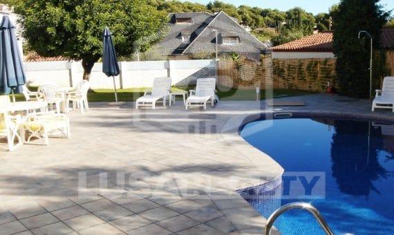 - Elegant contemporary villa in Castelldefels   2