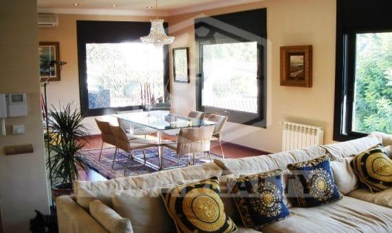 - Elegant contemporary villa in Castelldefels   3