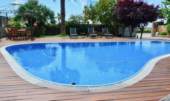 House with pool on rent 100 away from the beach in Castelldefels | 1