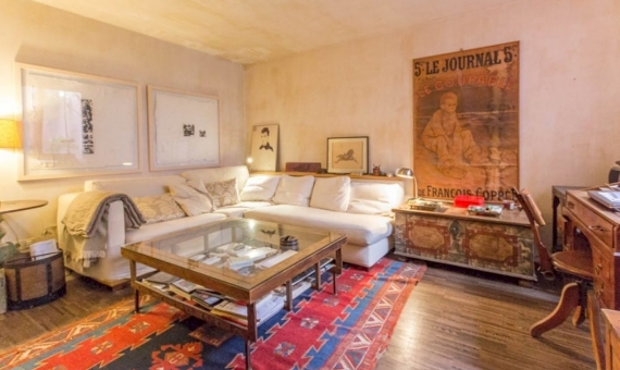 Stunning renovated property with a terrace in the upper area of Barcelona | 2-87233420176420059497-570x340-jpg