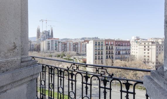 Piso nuevo o en edificio totalmente reformado con vistas a la Sagrada Familia | 3-diagonal2617-570x340-jpg