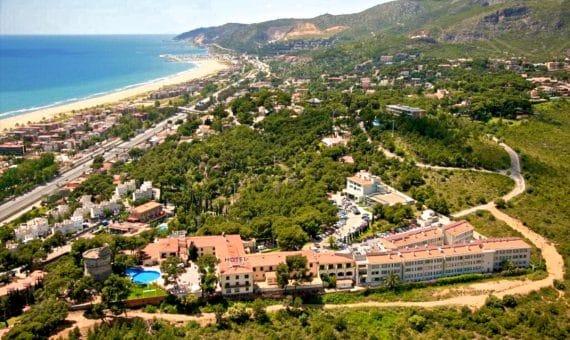 - Edificio de apartamentos con licensia turistica en Castelldefels en venta