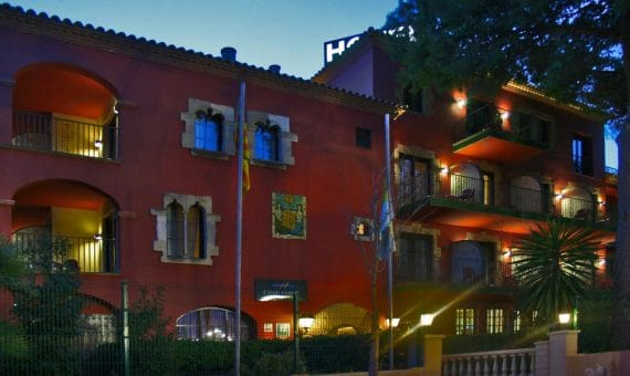 A 3-star hotel in Castelldefels for sale | 1