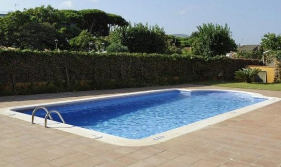 Aparthotel with 29 apartments for sale in Castelldefels | 1