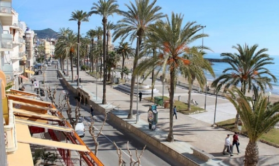 Building in Sitges on the first coastline for sale | 2