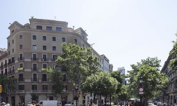 Commercial premises for sale next to Rambla Catalunya | exterior-1-570x340-jpg