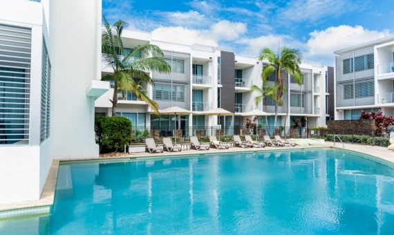 - Aparthotel with 29 apartments for sale in Castelldefels