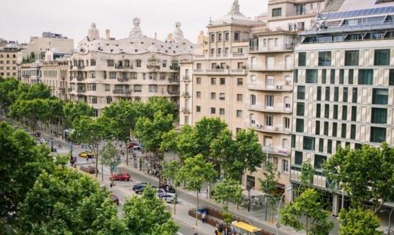 - Участок 1,357 м2 c имеющейся постройкой в центре Барселоны, Эшампле