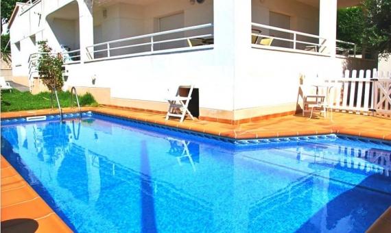 Вилла 175 м2 с садом и бассейном в Калафель | 1