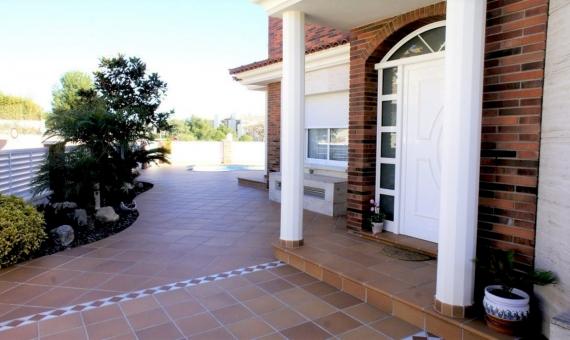 Новый дом 360 м2 в 1 км от пляжа в Калафель | 2