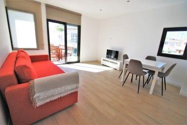 Новые апартаменты в 300 метрах от пляжа в Рода-де-Бара