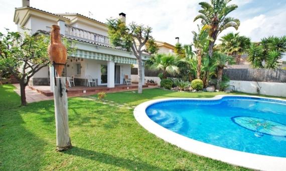 Вилла 200 м2 с частным бассейном в Калафель | 1