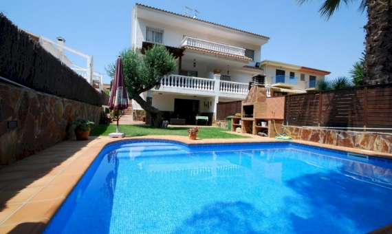Cozy house with a private pool in Calafell | 1-fileminimizer-570x340-jpg
