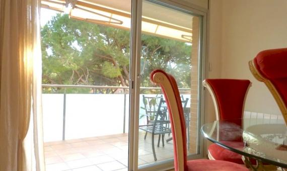 2159  Venta de un piso acogedor con terraza en Gava Mar | 2-3lusa-realty-gava-marjpg-2-570x340-jpg