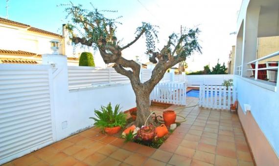Вилла 175 м2 с садом и бассейном в Калафель | 2