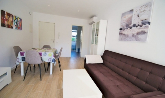 - New apartment 300 meters from the beautiful beach in Roda de Bara