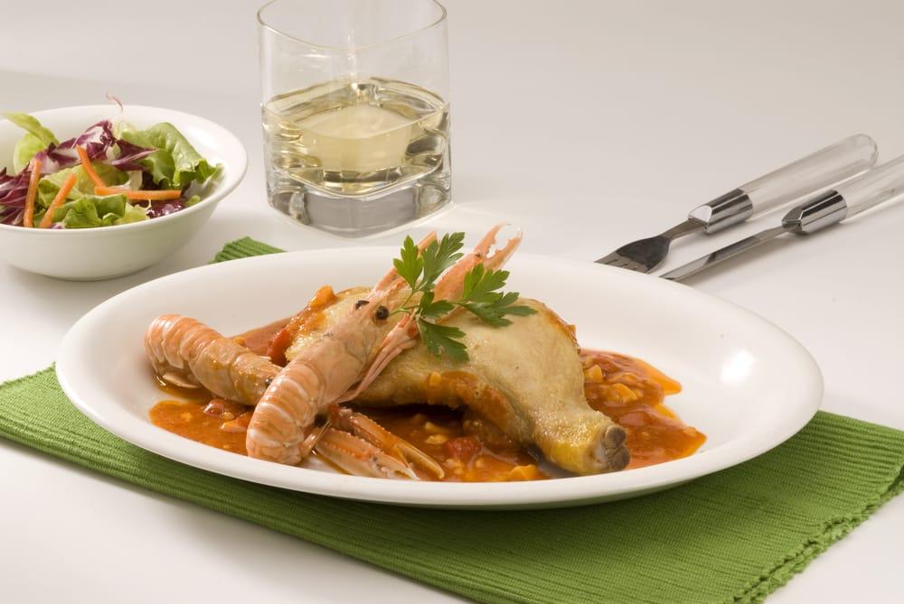 Блюдо каталонской кухни Мар-и-мунтанья