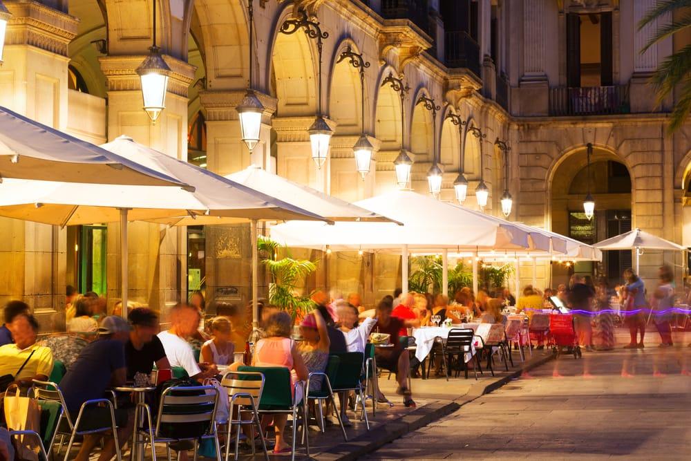 Comprar un restaurante con una terraza es una inversion segura