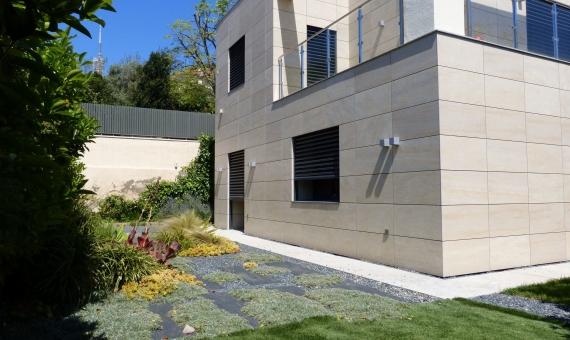 Casa recientemente renovada en Barcelona en el área de Bonanova | 1