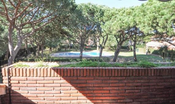 Угловой таунхаус с видом на море в Гава Мар | casa-esquinera-premia-gava-mar-lusa-realty00029-570x340-jpg
