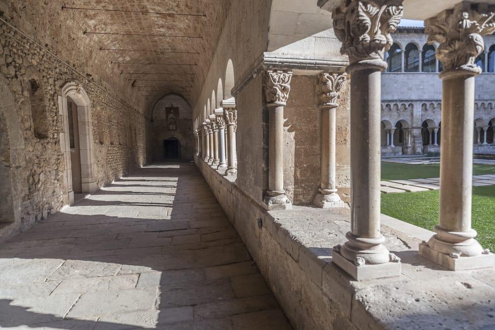 Монастырь Сант-Кугат
