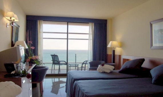 Hotel 84 rooms with Spa Center on the first sea line | 2