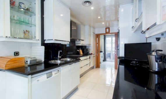 Five bedroom apartment with a large area in the center of Barcelona | 3