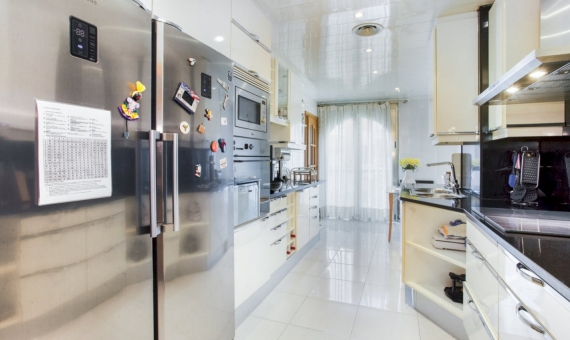 Five bedroom apartment with a large area in the center of Barcelona | 4