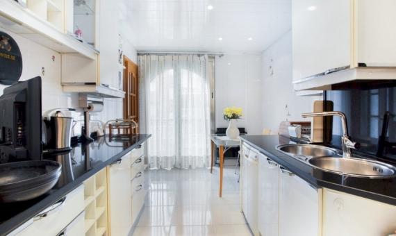 Apartamento de cinco habitaciones con una gran área en el centro de Barcelona | 4