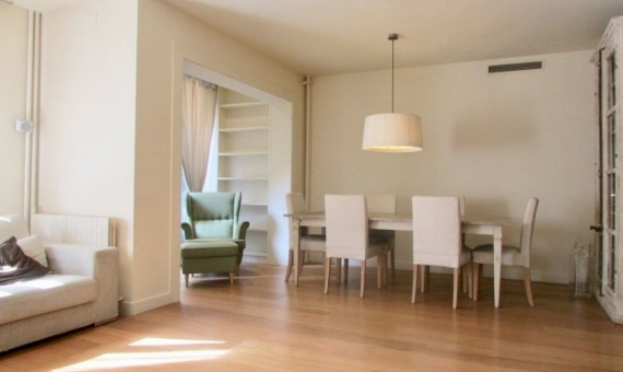 Apartment of 170 m2 with a terrace in Sarria  San Gervasi | 2