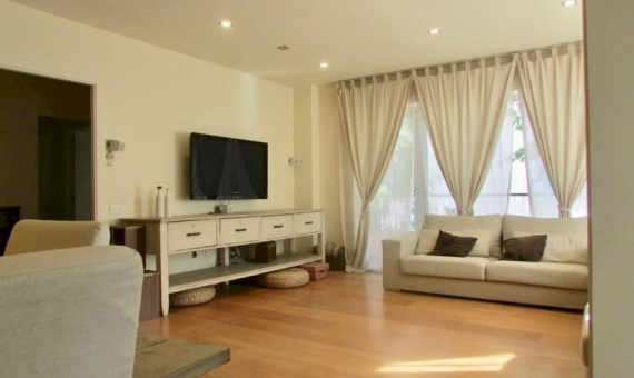Apartment of 170 m2 with a terrace in Sarria  San Gervasi | 3