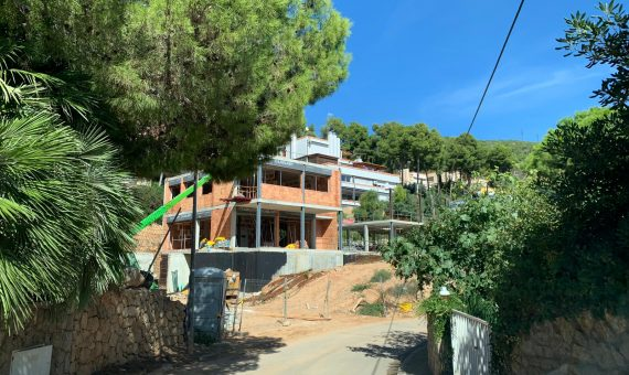 Новые дома рядом с морем в Кастельдефельс | 3