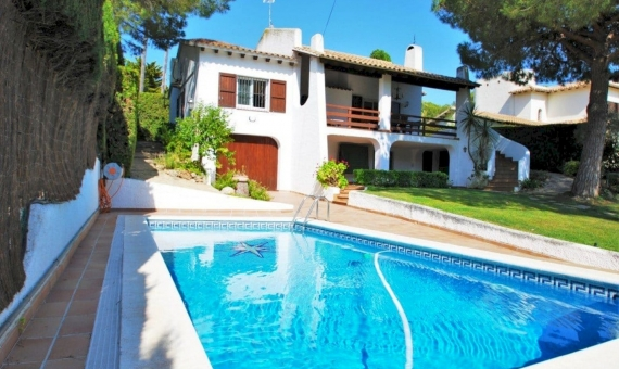 Villa 200 m2 with a garden and a pool in Roda de Bara | 2-fileminimizer-570x340-jpg