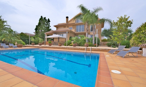 Villa 350 m2 with sea views in Calafell | 1
