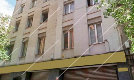 Residential building under complete reconstruction in Sants-Montjuic area | 111-1-570x340-png