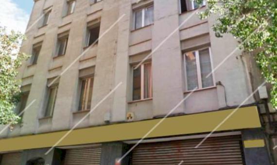 Жилое здание под полную реконструкцию в районе Сантс-Можуик