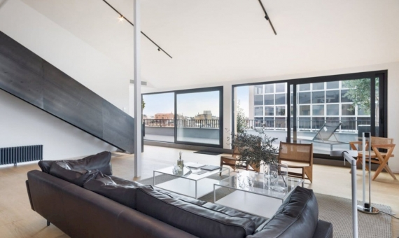 Отреставрированная квартира-пентхаус 221 м2 с террасой в Эшампле | 3