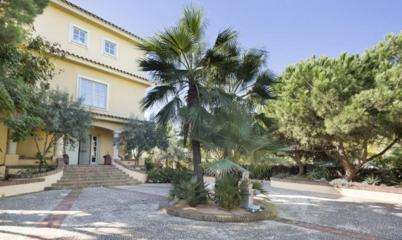 House 600 m2 on the seafront in Gava Mar | 1