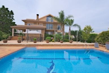 Villa 350 m2 con vistas al mar en Calafell