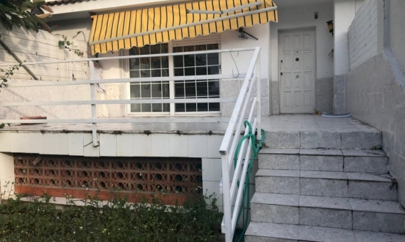 Townhouse 217 m2 with a reform project and licence in Castelldefels | 2