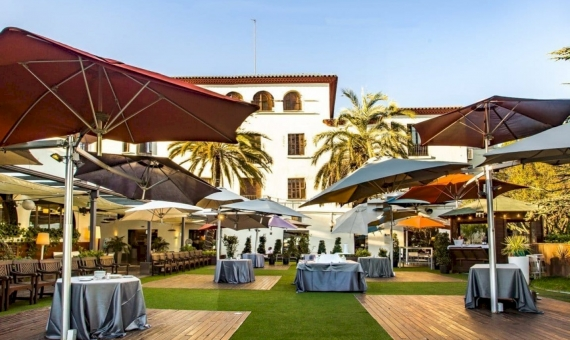 Hotel 3 *** with a tenant and land plot of 7.600 m2 in Barcelona suburbs | 3