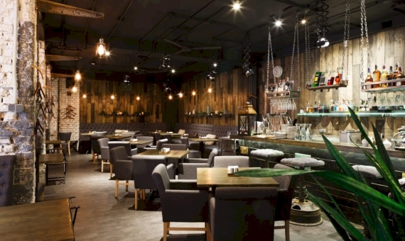 Restaurant 79 m2 with a valid license C2 in Ciutat Vella | shutterstock_709645828-fileminimizer-570x340-jpg
